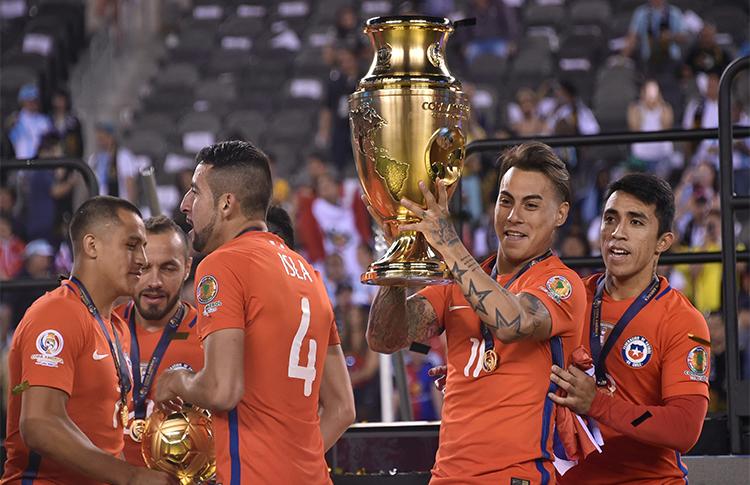 Em 2016, EUA sediaram a Copa América centenário, que teve o Chile como seleção campeã