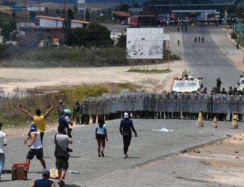 Confronto na fronteira do Brasil com a Venezuela