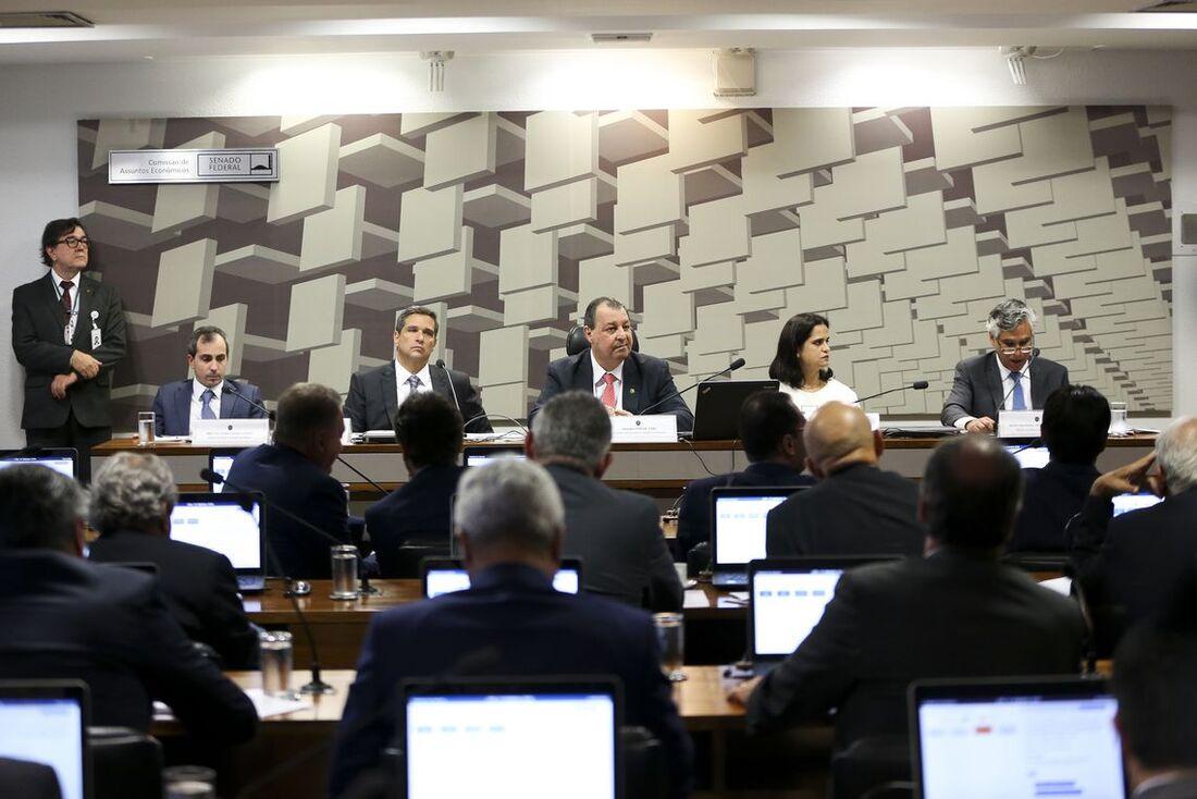 Senadores também aprovaram novos diretores do BC e da CVM
