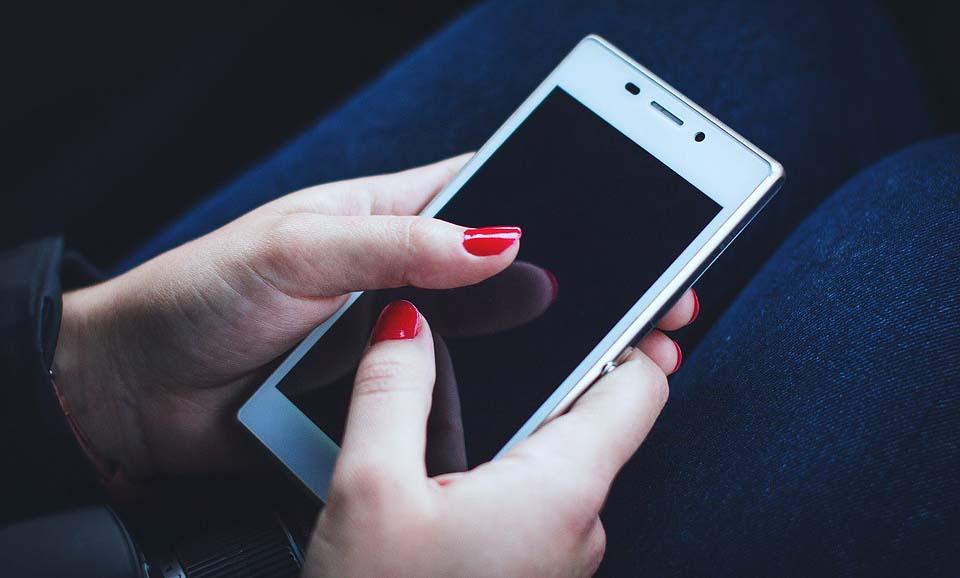 Segurados do INSS podem enviar atestado pelo aplicativo de celular