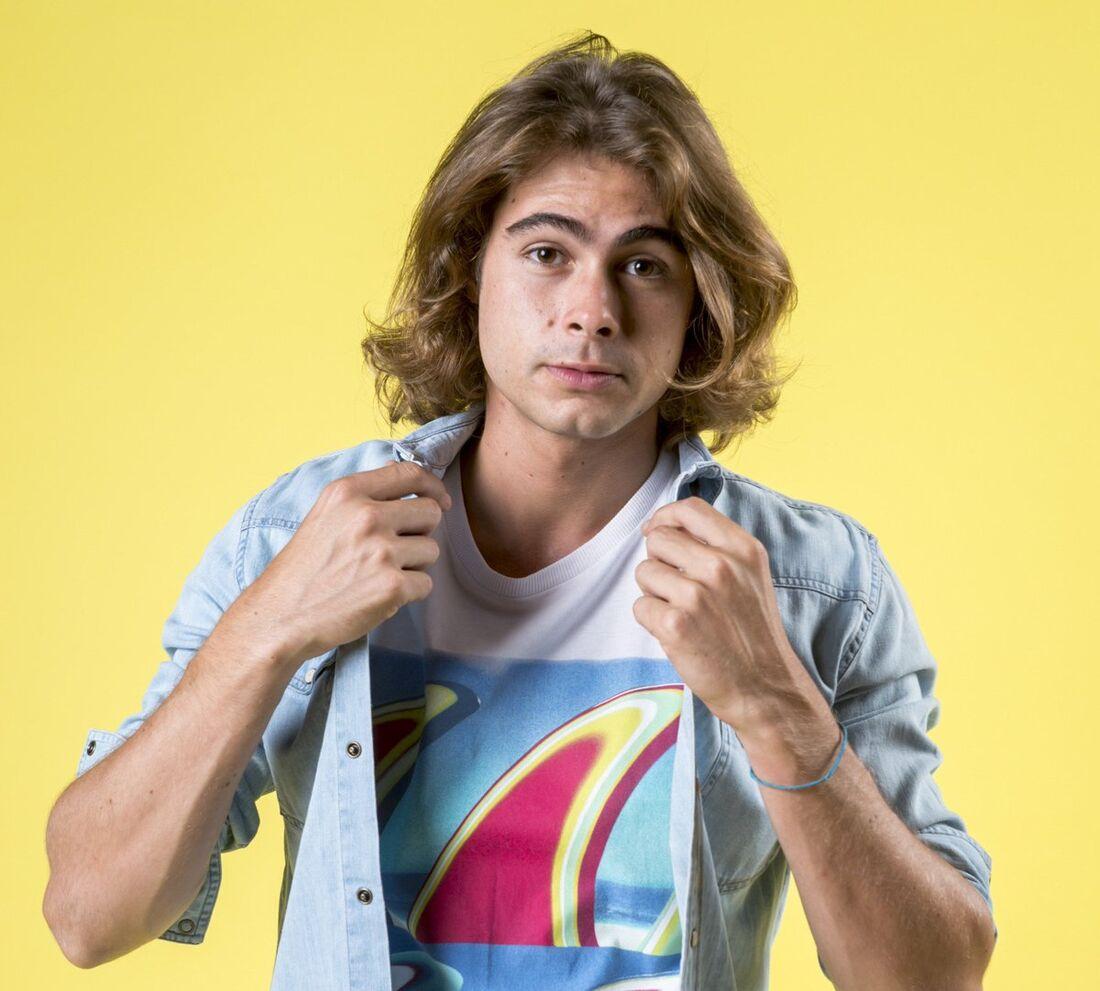 Rafael Vitti é João em 'Verão 90'