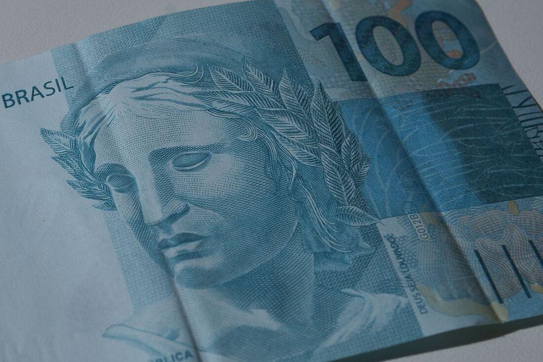Há estudos no governo para renovar as cédulas de R$ 100 e R$ 50. .