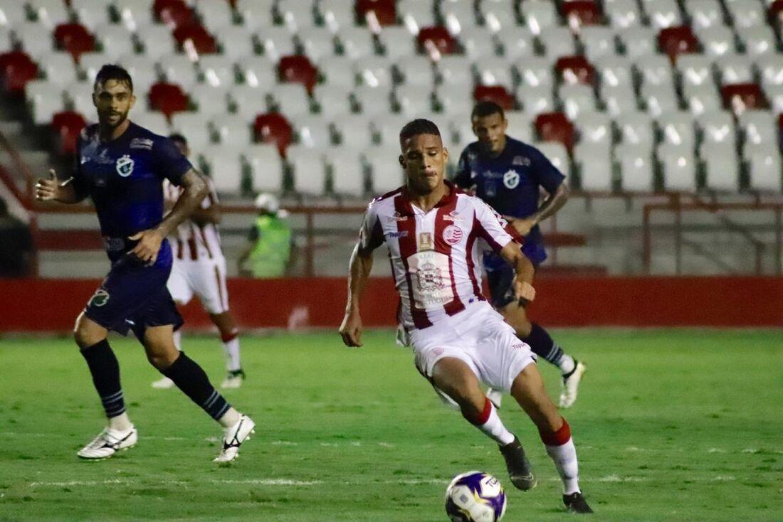 Thiago ganhou titularidade no Náutico