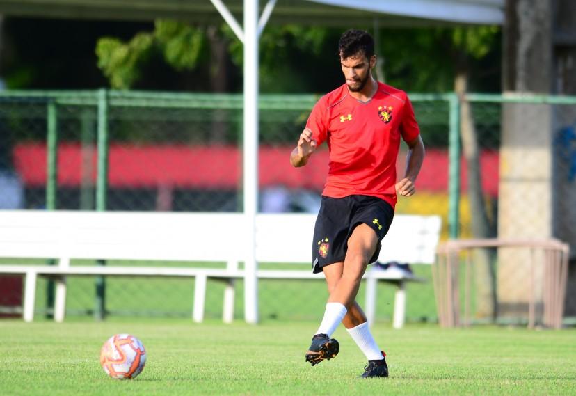 Zagueiro do Sport, Rafael Thyere.