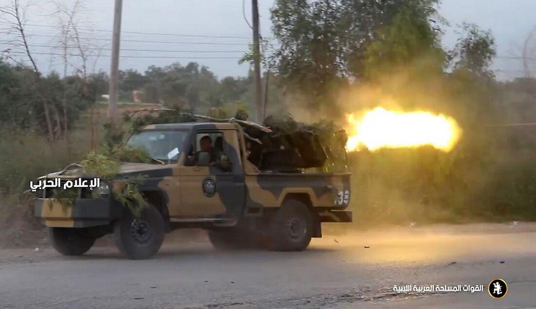 Líbia seguiu em conflito nesta terça-feira (16)