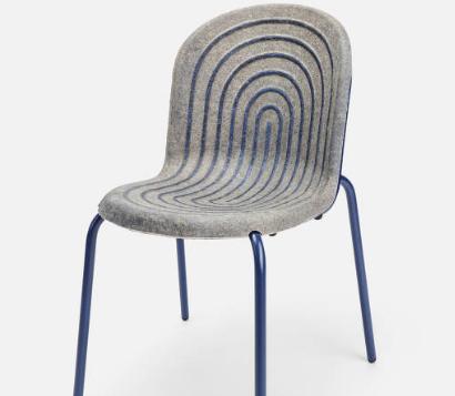 Cadeira Halo que tem assento e encosto feitos a partir do cânhamo, planta da família da Cannabis sativa