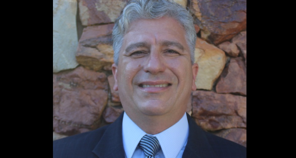 Alessandro Candeas, autor do livro