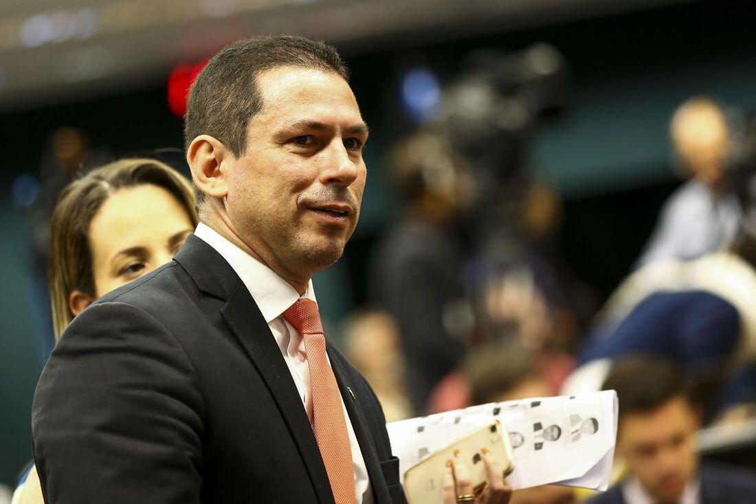 """Deputado Marcelo Ramos (PR-AM) disse que que a proposição precisa ser """"calibrada"""" porque o ajuste """"não pode ser tão pesado para as pessoas mais humildes"""""""