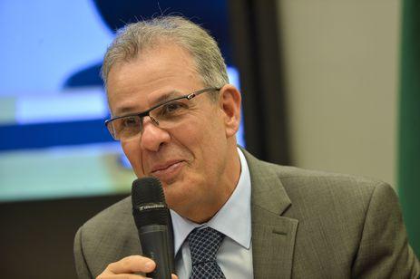 O ministro de Minas e Energia, Bento Albuquerque, participa de audiência pública na Câmara