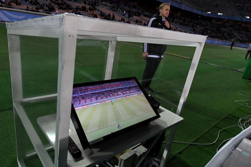 Árbitro de vídeo vem sendo usado nas principais ligas do mundo