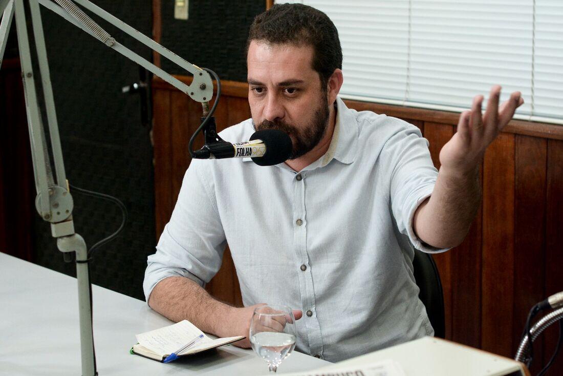 Guilherme Boulos (PSOL) em entrevista à Rádio Folha.