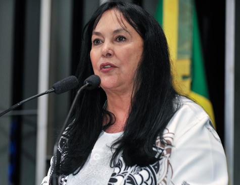 A relatora da proposta na CCJ, Rose de Freitas