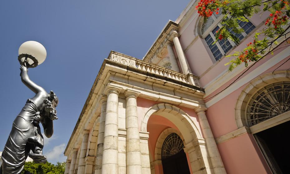 Fachada do Teatro de Santa Isabel