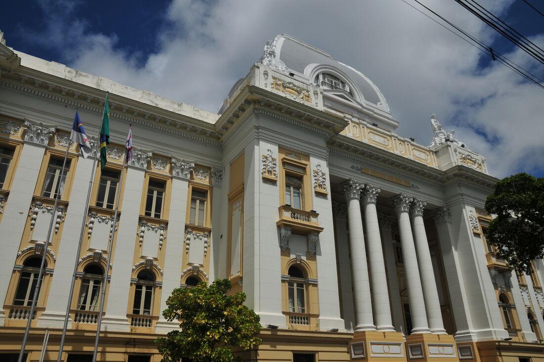 Fachada do Palácio da Justiça, no Recife