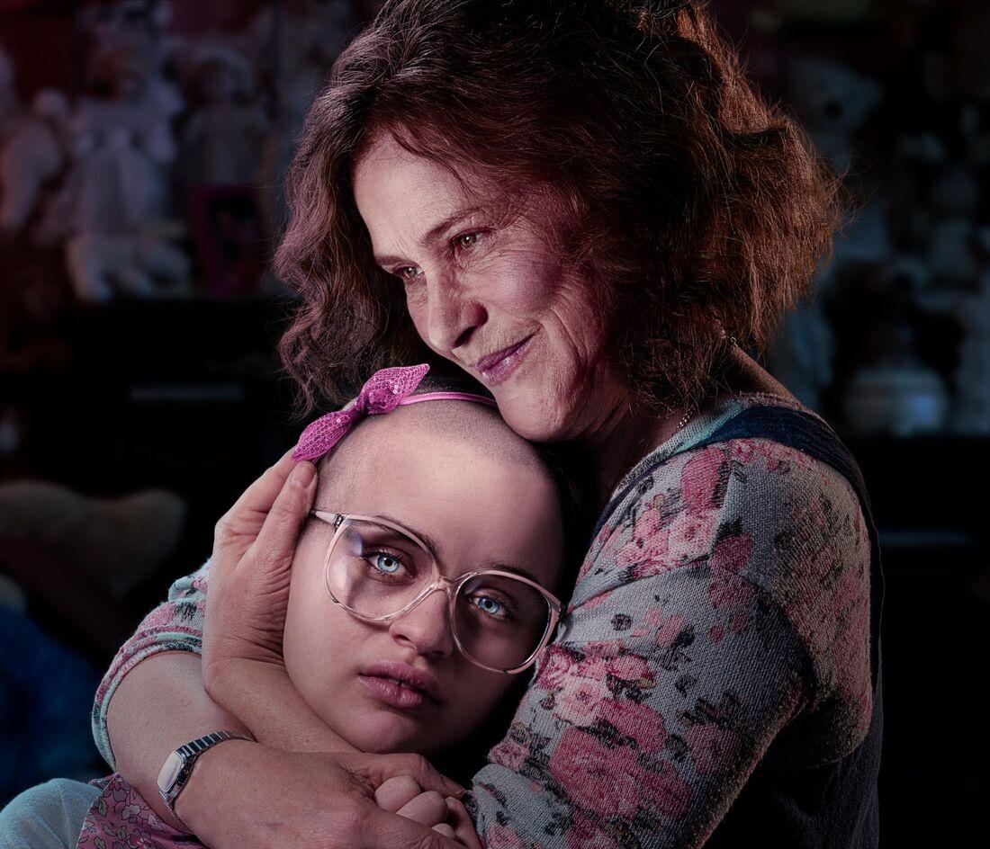 Patricia Arquette e Joey King interpretam mãe e filha em um crime baseado em fatos reais