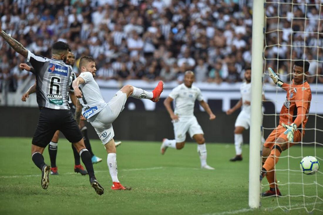 Fora de casa, Santos bateu o Ceará