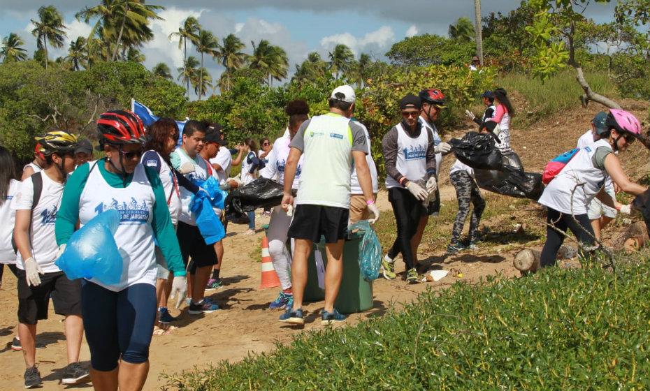 Pedalada ecológica recolhe lixo em Jaboatão