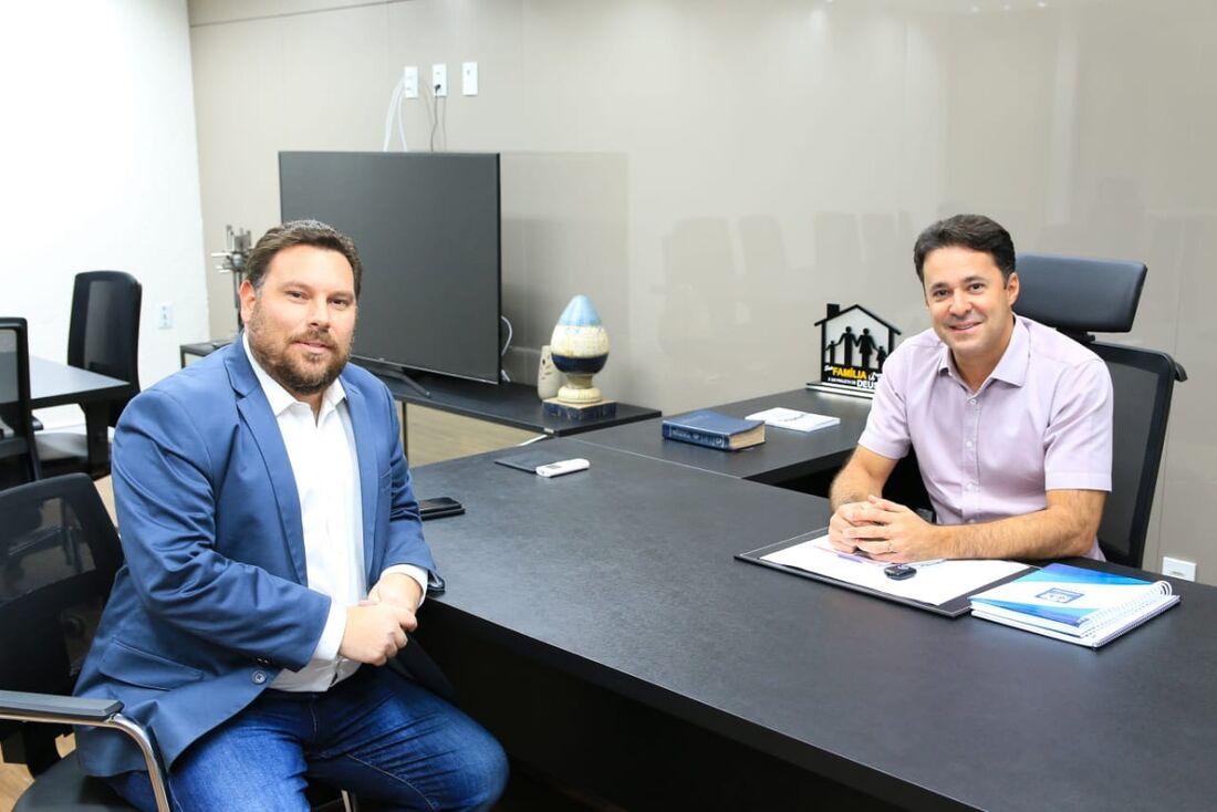 O deputado estadual Wanderson Florêncio (PSC) se reuniu, nesta quarta-feira, com o prefeito de Jaboatão dos Guararapes Anderson Ferreira (PR), na prefeitura do município.