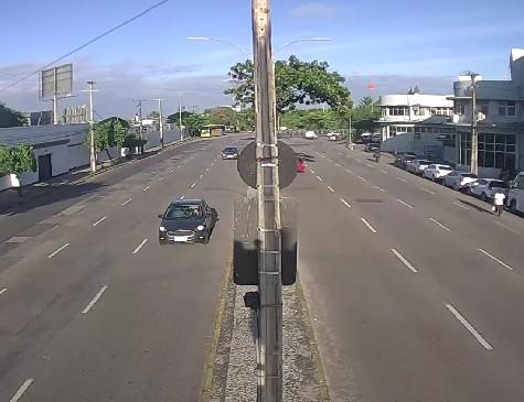 Trânsito no Cais de Santa Rita