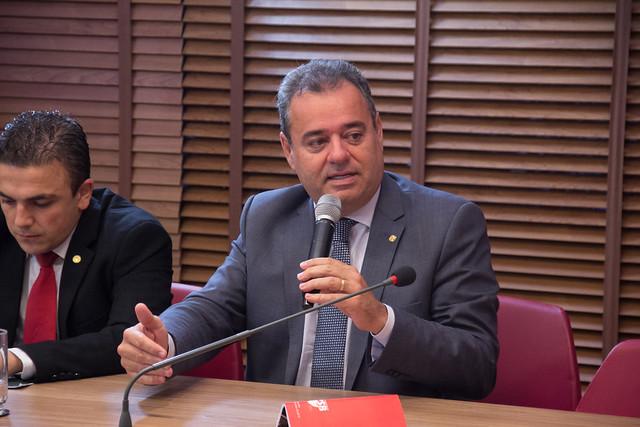 Deputado Federal Danilo Cabral (PSB-PE) vai protocolar um Projeto de Decreto Legislativo (PDL) para sustar os efeitos da 1.373, do Ministério da Educação