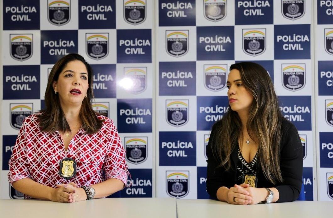 Analisa Sobreira, gestora do Departamento de Polícia da Mulher e a delegada Bruna Falcão, responsável pelo caso