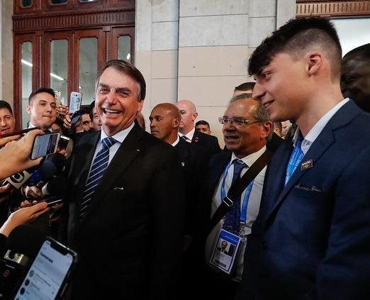 Jair Bolsonaro (PSL) e filho Jair Renan