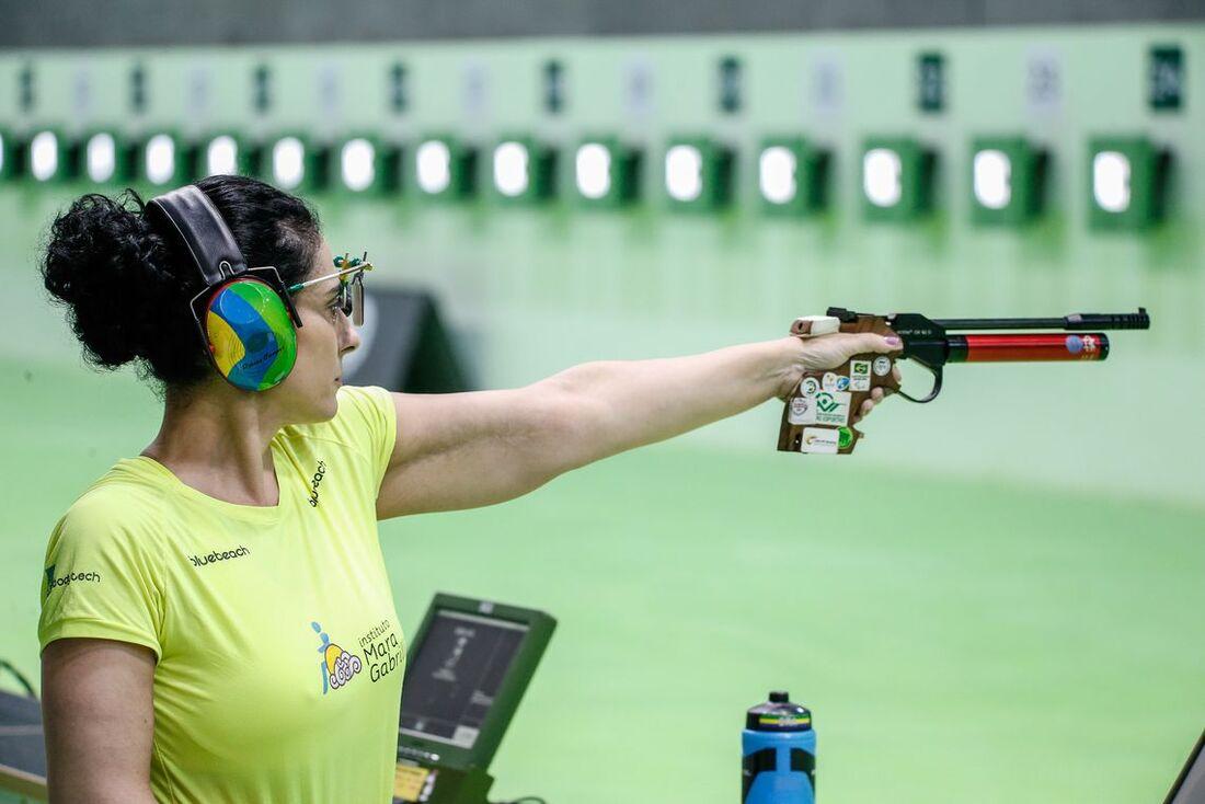 Débora Campos é a única mulher da equipe brasileira de tiro esportivo nos Jogos Parapan-Americanos