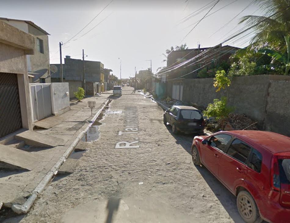 Crime ocorreu na rua Tancredo Neves