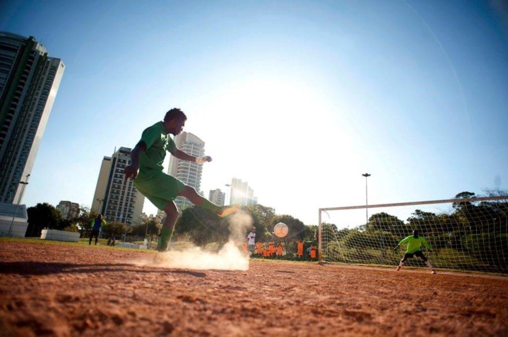 A etapa da Copa de Futebol dos Refugiados e Imigrantes no Distrito Federal conta com a participação de 160 jogadores amadores, 20 em cada seleção