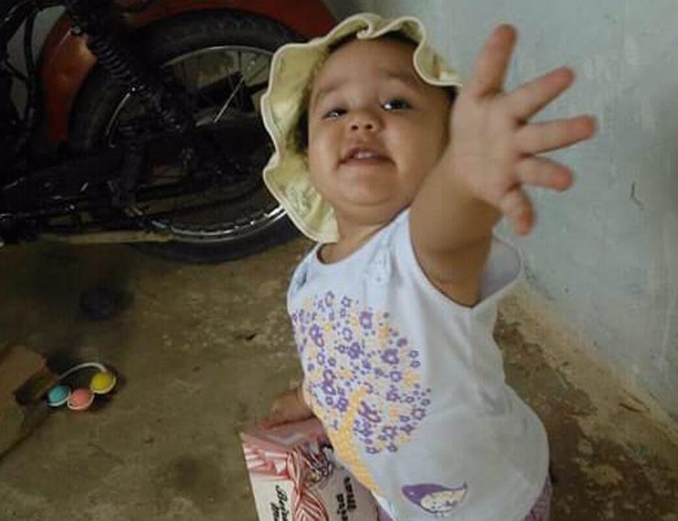 Maria Eloísa foi atingida enquanto ia à igreja com a mãe