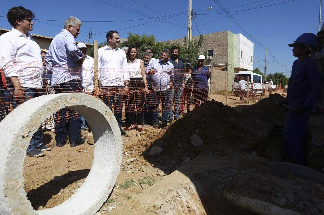 O governador também vistoriou intervenções que receberam recursos do FEM e ampliação do sistema de esgotamento