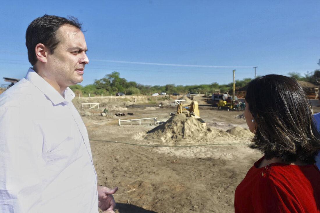 Agenda do governador no Sertão ainda incluiu entrega de 440 títulos de posse, beneficiando agricultores familiares