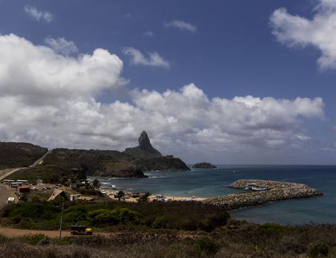 Praia do Porto de Santo Antônio, em Fernando de Noronha
