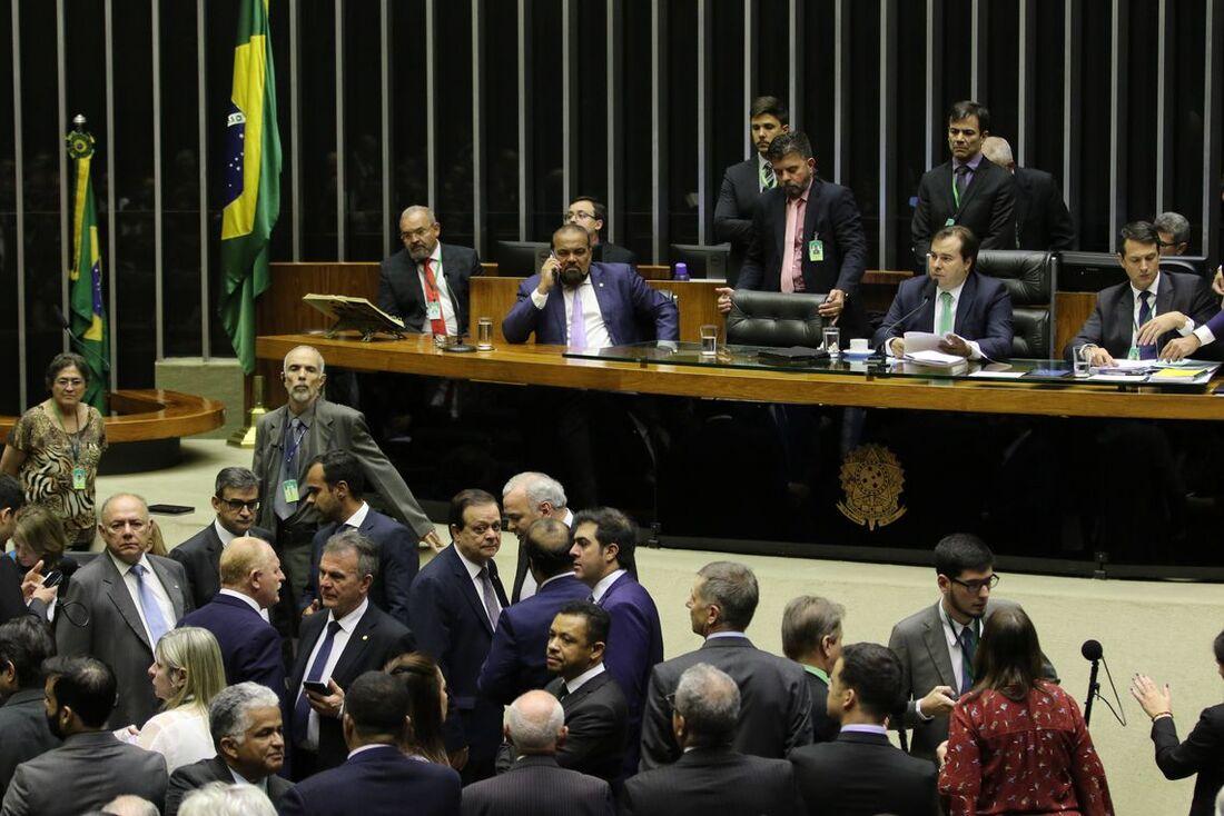 Câmara em votação dos destaques da Medida Provisória 881/19