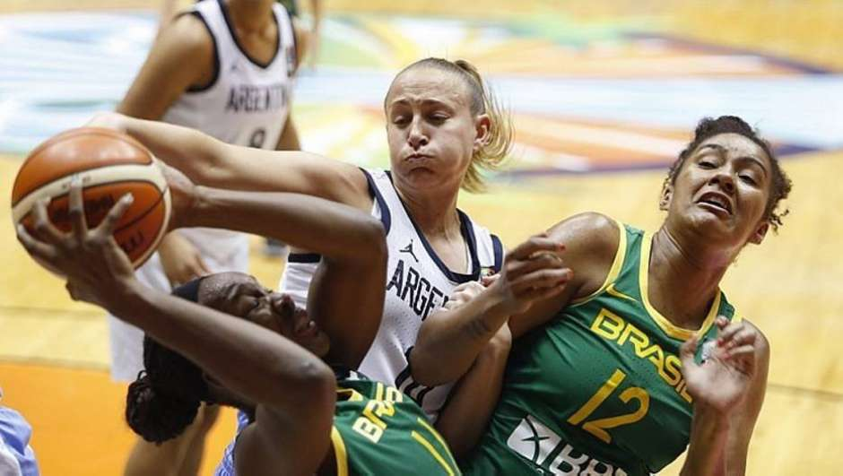 Clarissa foi mais uma vez destaque na seleção brasileira