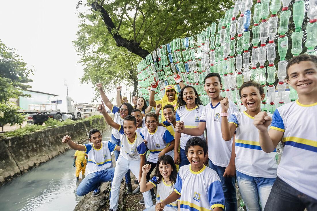 Projeto inovador idealizado por alunos da Escola Municipal Antônio de Brito Alves apresentou uma solução simples para um problema na comunidade