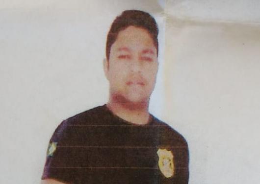 O homem que se identificava por Fernando está sendo procurado pela polícia