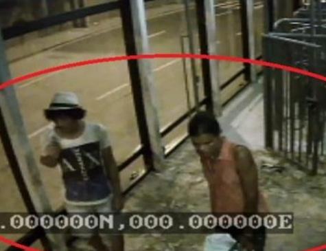 Dois dos quatro suspeitos presos durante a operação da Policia Civil