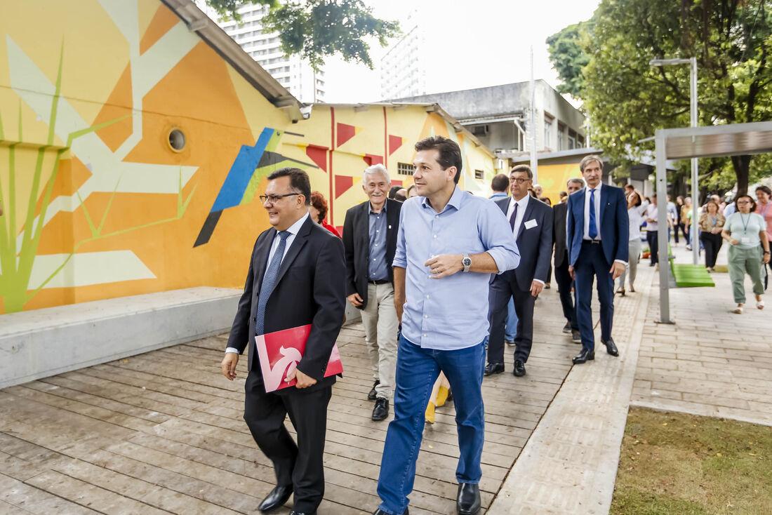 Projeto Calçada Legal tem o objetivo de requalificar 134 km de passeios públicos no Recife