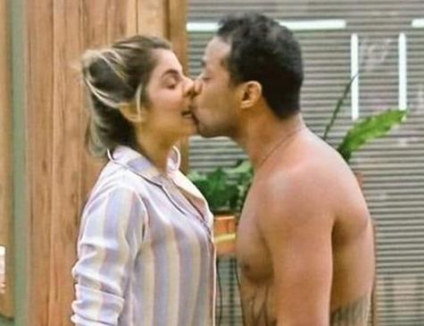 Haagensen beijou Hariany à força