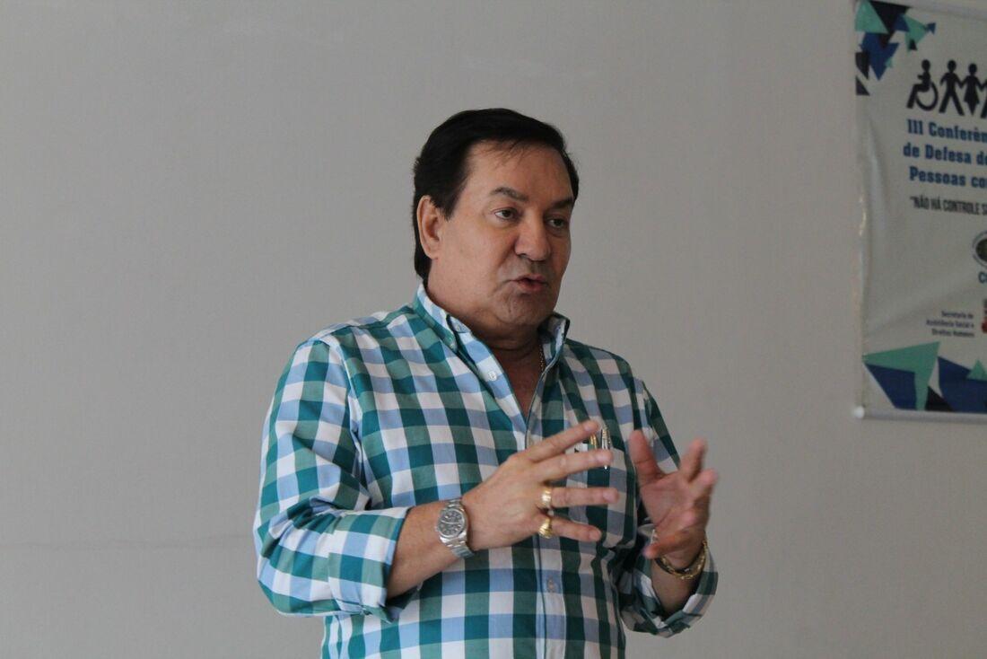O prefeito Izaías Régis abriu o evento que vai até esta quarta-feira