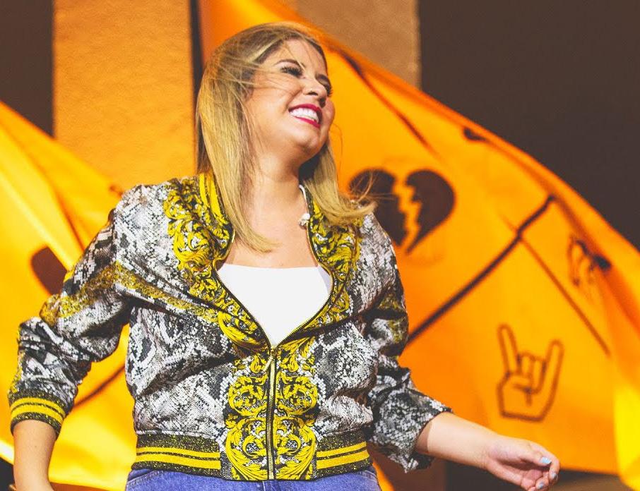 Marília Mendonça em gravação de DVD 'Todos os Cantos'