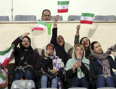 Em geral, mulheres são proibidas de assistir jogos no Irã, com a exceção de alguns eventos internacionais