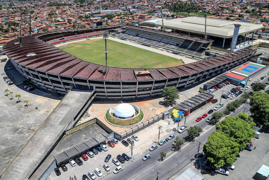 Estádio Rei Pelé, em Maceió-AL, agora se chama Rainha Marta