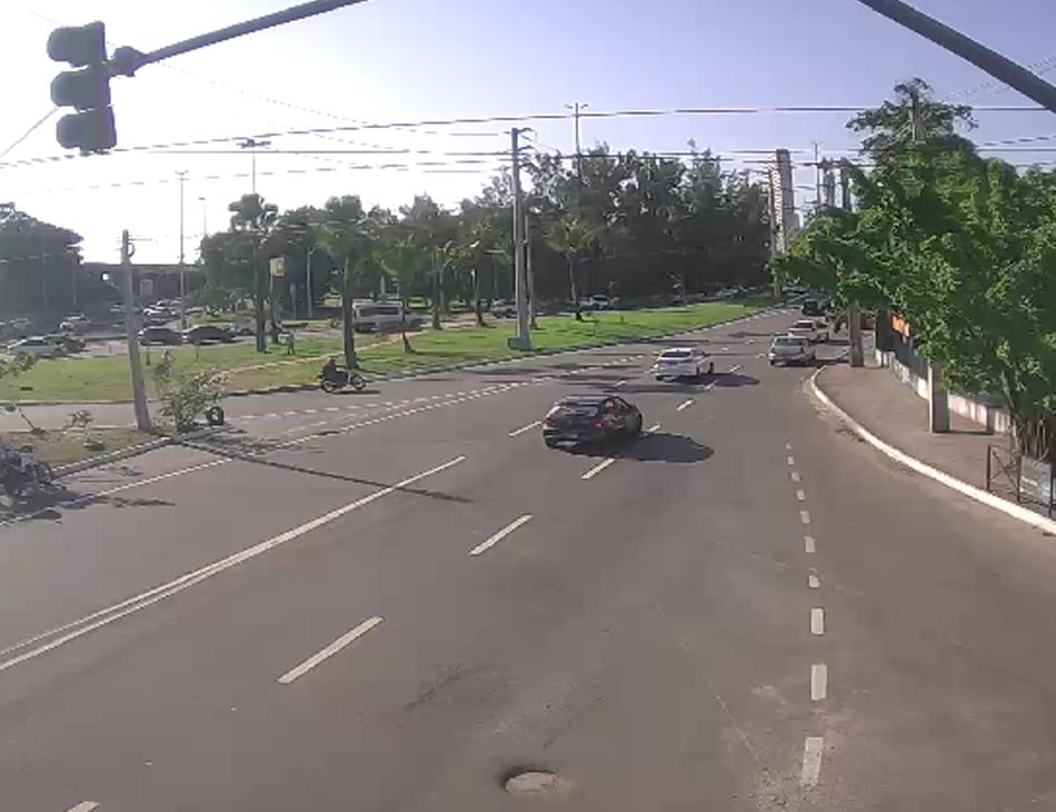 Trânsito na avenida Rui Barbosa