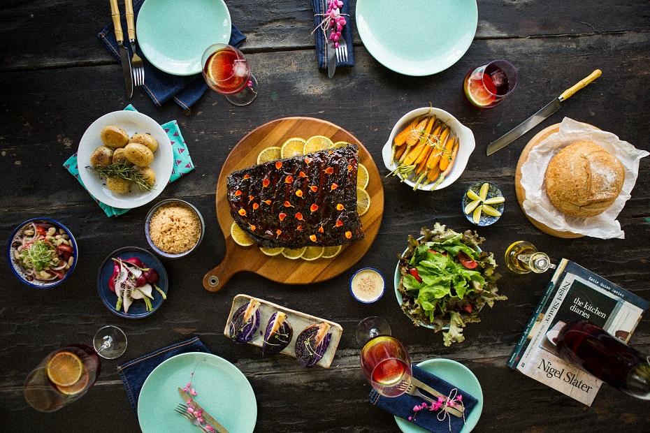 Projeto é comandado pela fotógrafa e filmmaker Clara Gouvêa e pela chef e food stylist Miau Caldas
