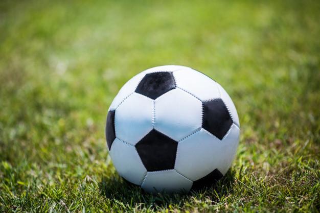 Casos de discriminação no futebol praticado no Brasil subiram em 2019