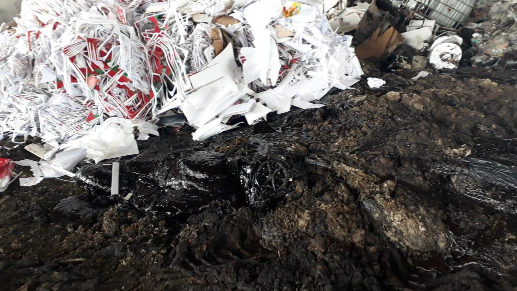 Óleo é misturado com outros resíduos antes de ser processado