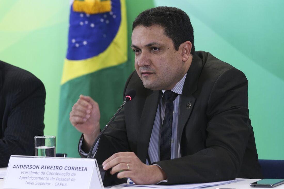 Presidente da Capes, Anderson Correia, disse que as emendas equilibram o orçamento da instituição em 2020