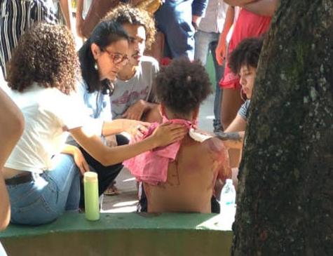 O estudante foi esfaqueado na tarde desta quarta-feira (3)